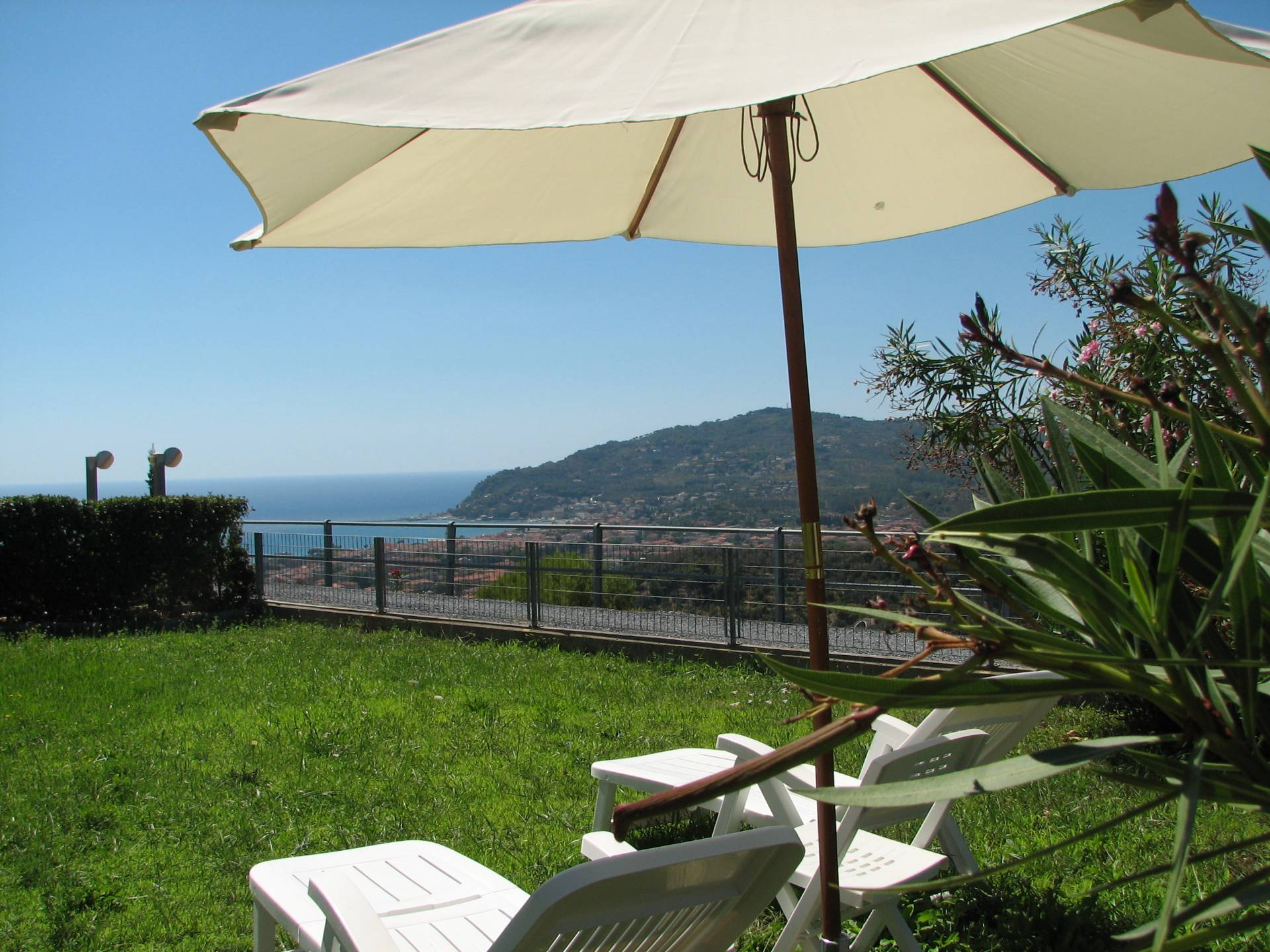 Appartamento in vendita a Diano Castello, 5 locali, zona Zona: Monade, prezzo € 325.000 | Cambio Casa.it