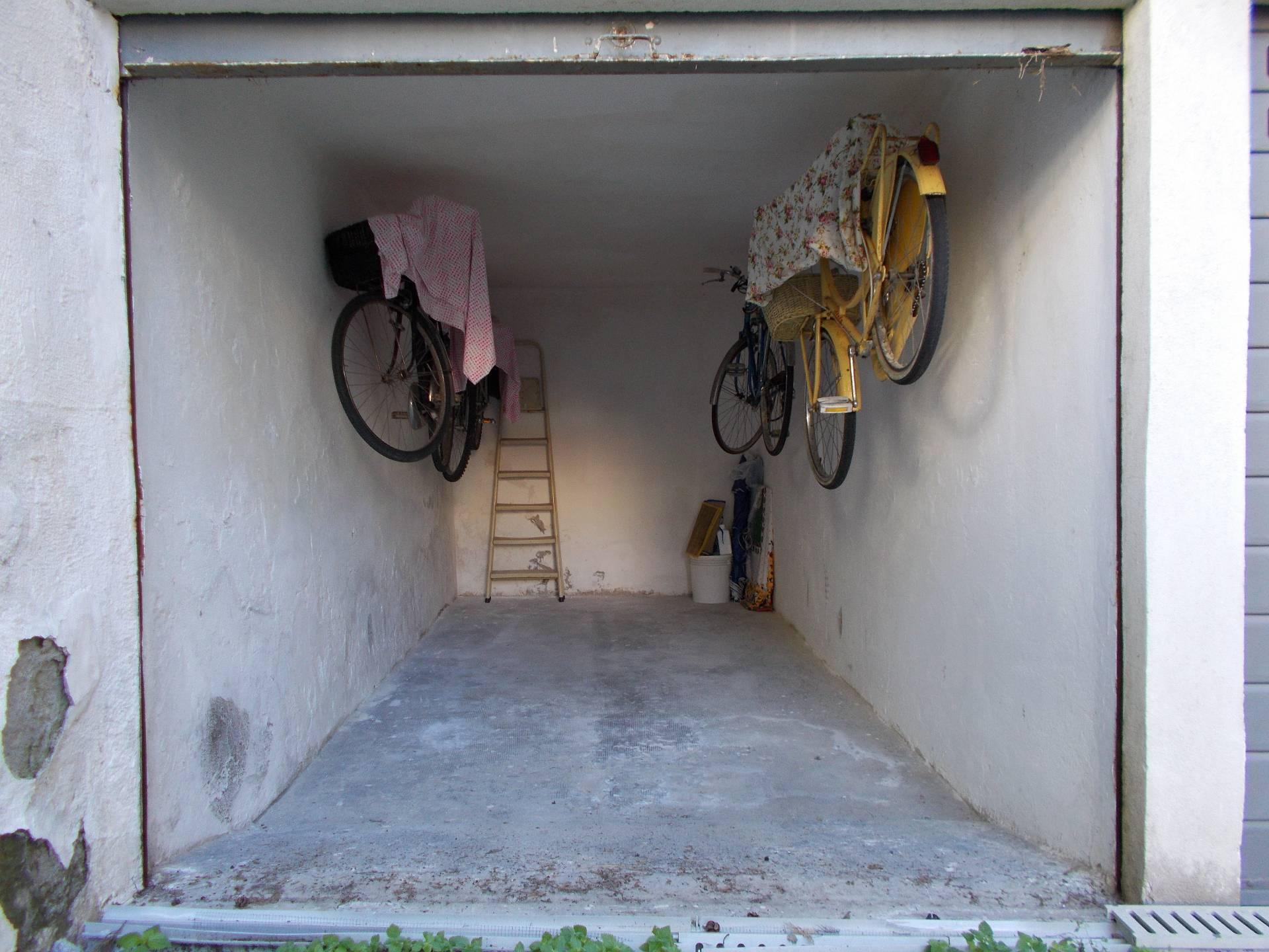 Box / Garage in Vendita a Diano Marina