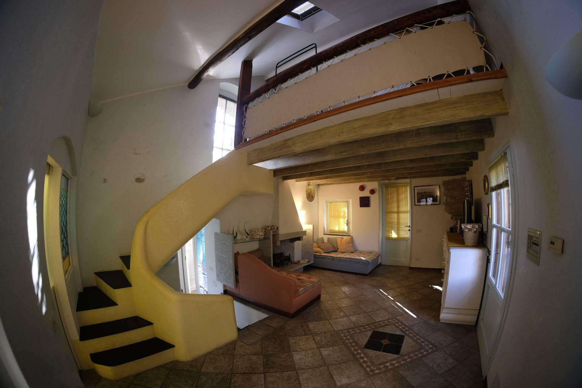 Appartamento in vendita a Diano Castello, 4 locali, prezzo € 380.000 | Cambio Casa.it