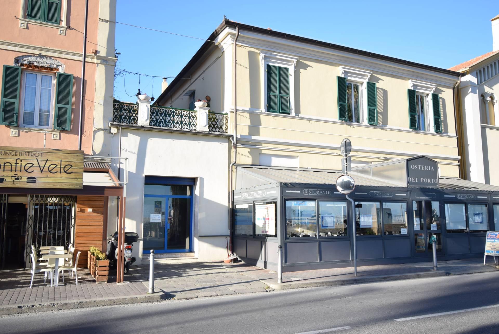 Negozio / Locale in affitto a Diano Marina, 9999 locali, prezzo € 850 | CambioCasa.it