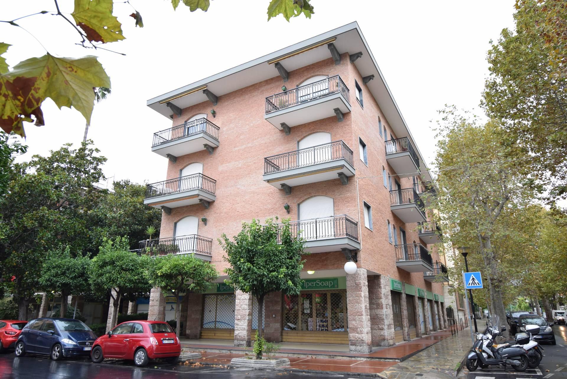 Appartamento in vendita a Diano Marina, 4 locali, prezzo € 315.000 | CambioCasa.it