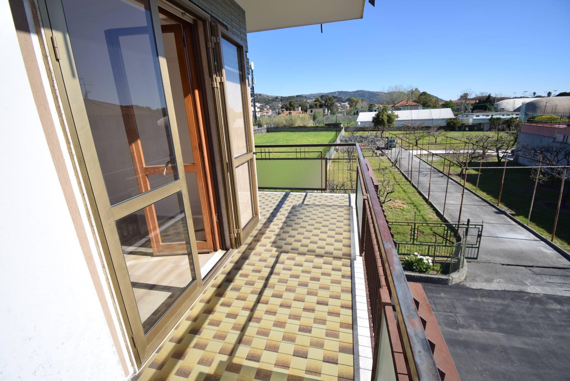 Appartamento in vendita a Diano Marina, 4 locali, prezzo € 278.000 | CambioCasa.it