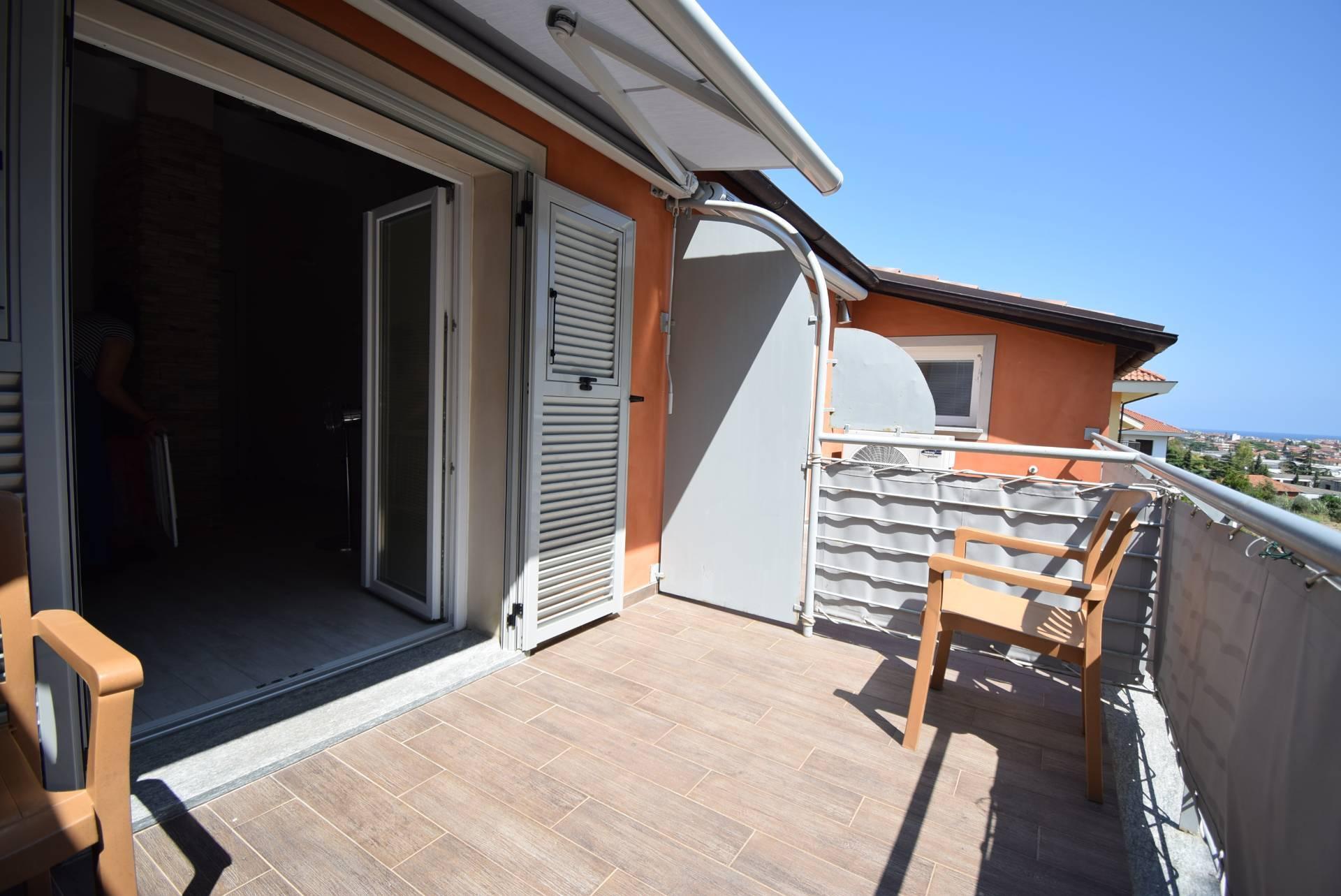 Appartamento in vendita a Diano Castello, 3 locali, prezzo € 295.000   CambioCasa.it