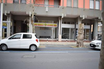 Locale commerciale in Affitto a Diano Marina