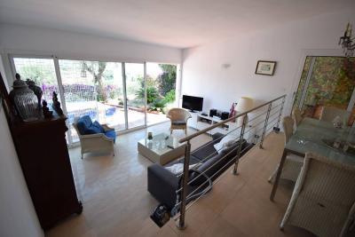 Villa for Sale to Diano Marina