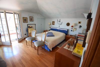 Villa for Sale to Diano Castello
