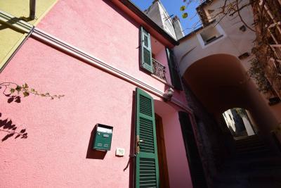 Casa singola in Vendita a Diano Castello