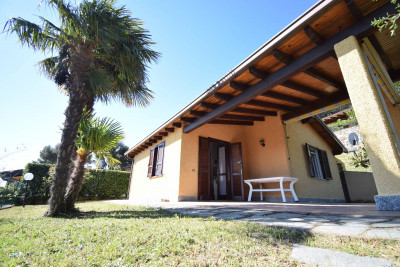 Villa for Sale to Diano Arentino