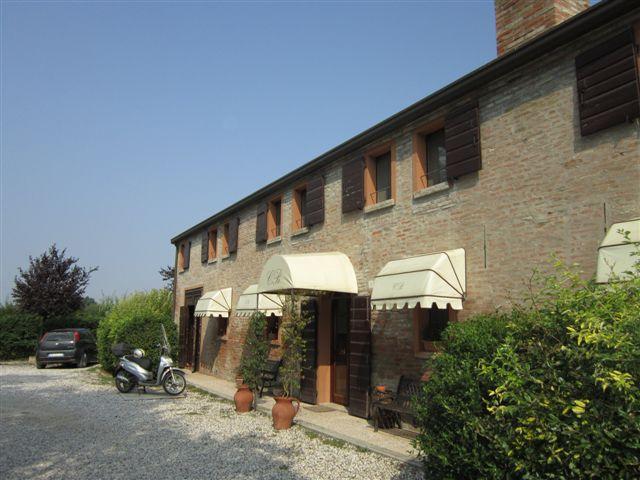 Rustico / Casale in vendita a Ferrara, 12 locali, zona Zona: Cona, prezzo € 690.000 | Cambio Casa.it