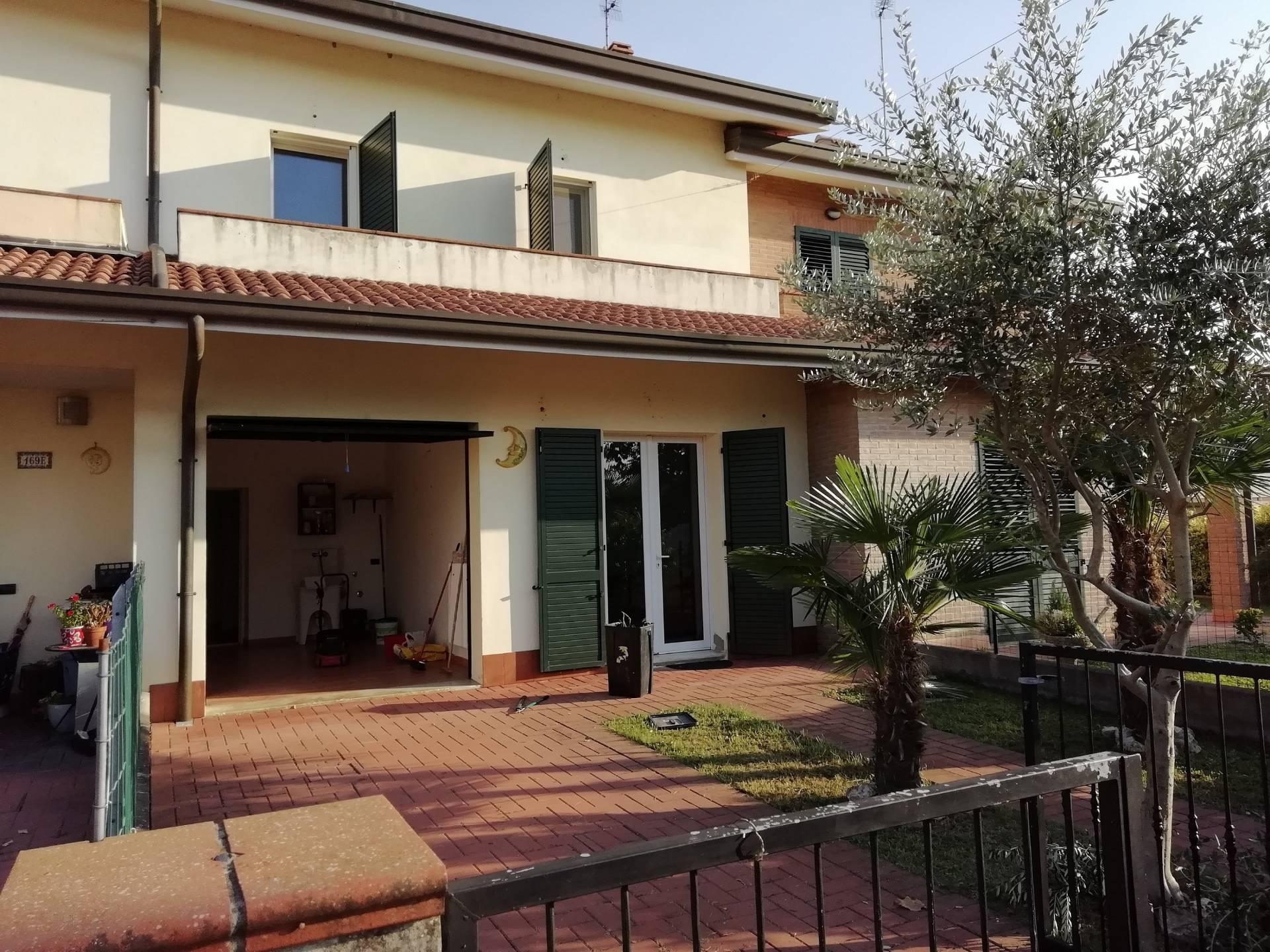 Villa a Schiera in Vendita a Masi Torello