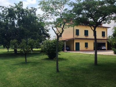 Casa singola in Vendita a Bondeno