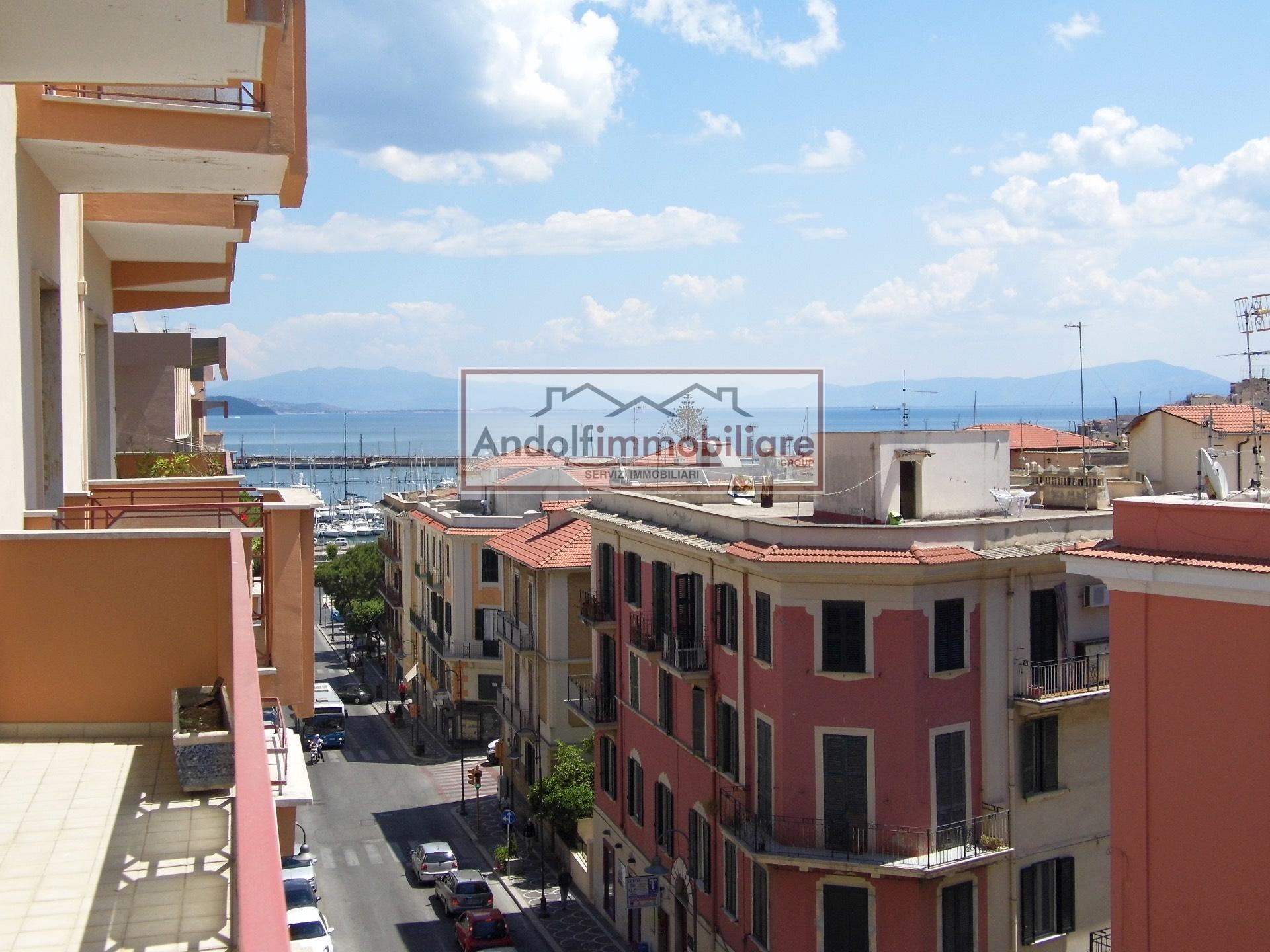Appartamento in affitto a Gaeta, 4 locali, prezzo € 1.600 | Cambio Casa.it