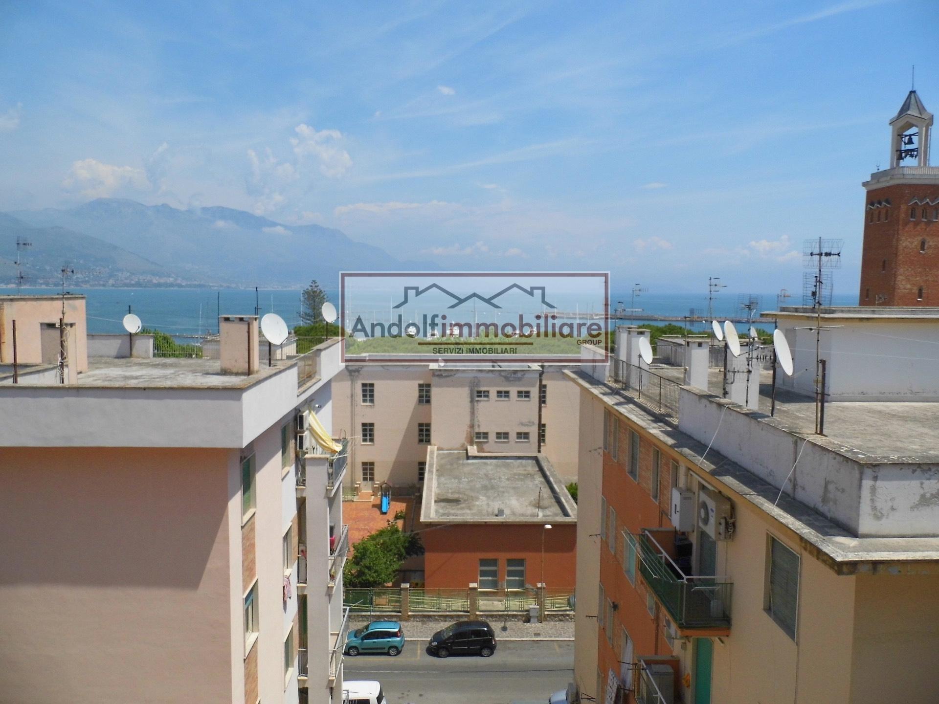 Appartamento in affitto a Gaeta, 5 locali, prezzo € 1.200 | Cambio Casa.it