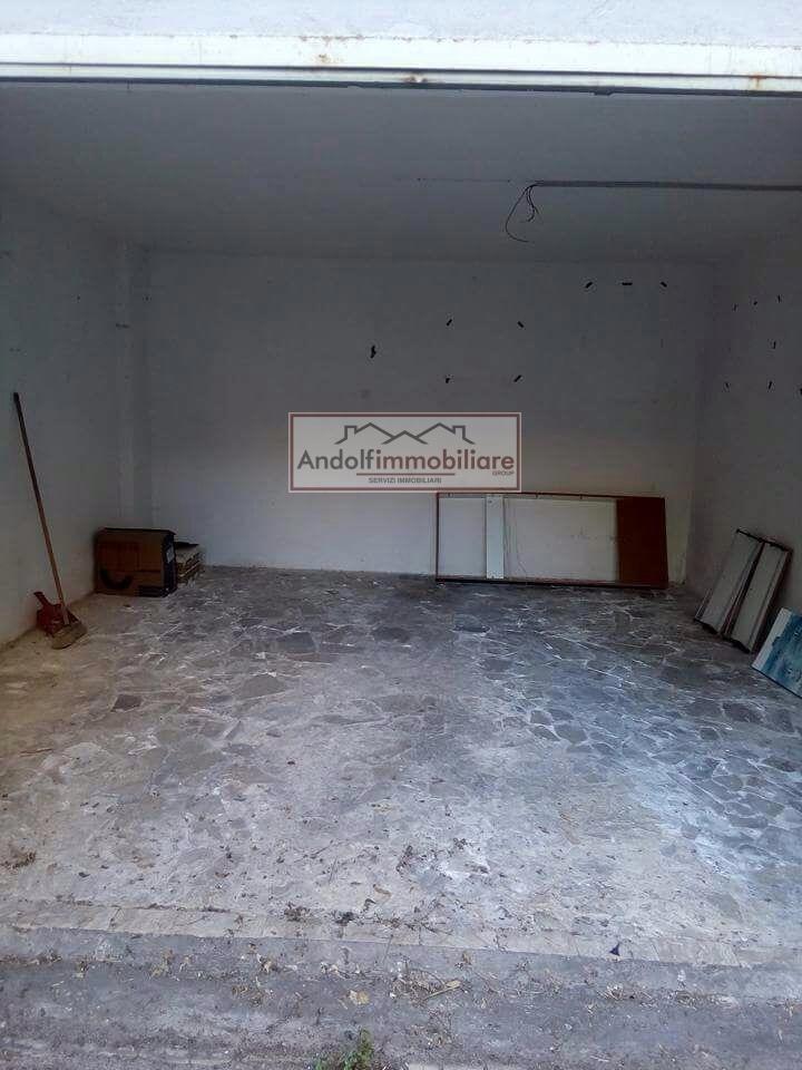 Foto - Garage In Vendita Formia (lt)