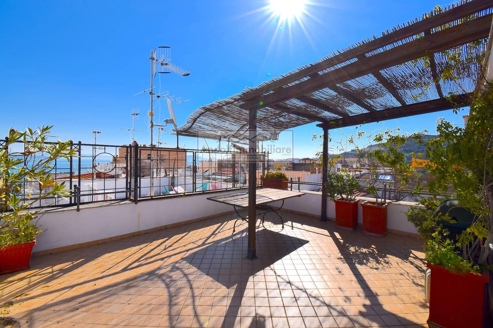Appartamento in vendita a Gaeta, 3 locali, prezzo € 185.000 | CambioCasa.it
