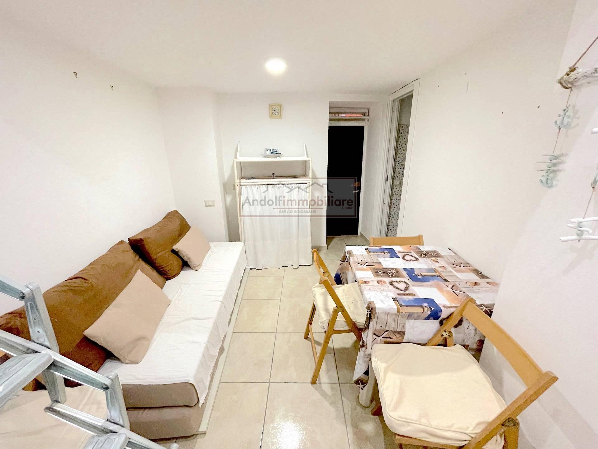 Appartamento in vendita a Gaeta, 2 locali, prezzo € 55.000 | CambioCasa.it