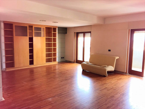 Appartamento in Affitto a Erice