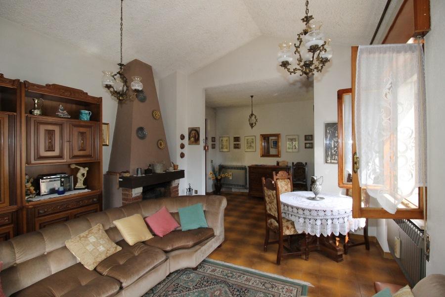 Villa Bifamiliare in vendita a Angolo Terme, 3 locali, prezzo € 89.000 | CambioCasa.it