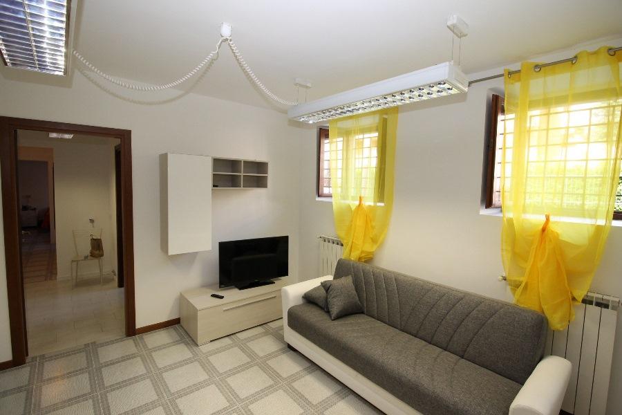 Appartamento in affitto a Seriate, 3 locali, prezzo € 600 | CambioCasa.it