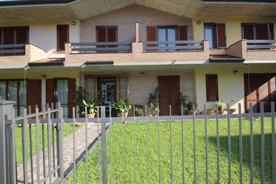 Appartamento in vendita a Pontida, 5 locali, prezzo € 320.000 | CambioCasa.it