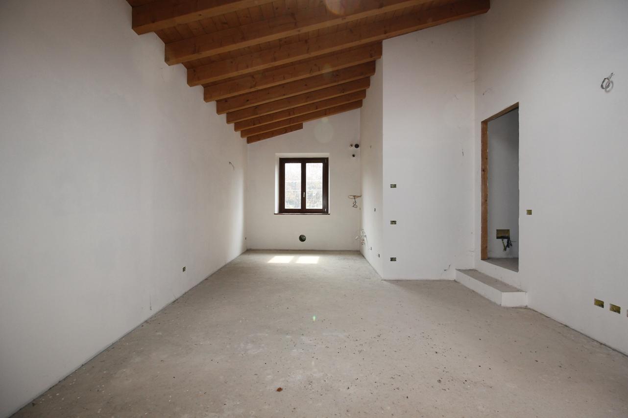 Appartamento in vendita a Pontida, 3 locali, prezzo € 165.000 | CambioCasa.it