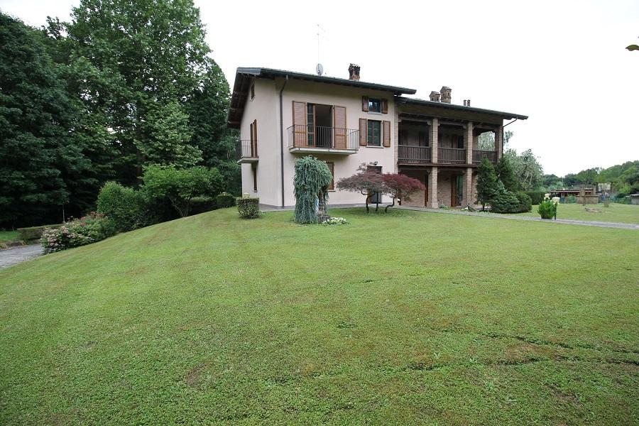 Villa in affitto a Carvico, 4 locali, prezzo € 1.000 | CambioCasa.it