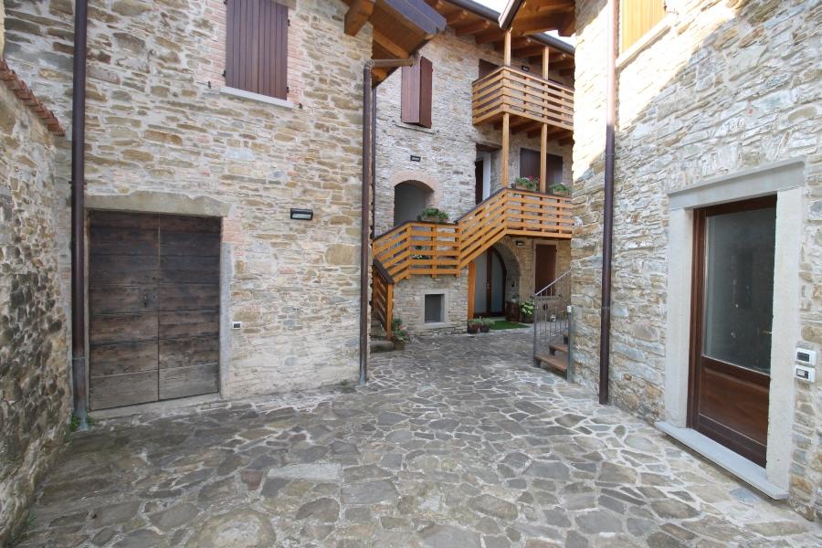Appartamento in vendita a Pontida, 2 locali, prezzo € 95.000 | CambioCasa.it