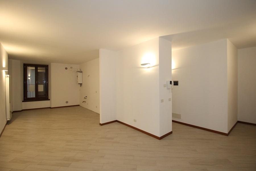 Appartamento in affitto a Pontida, 2 locali, prezzo € 450 | CambioCasa.it