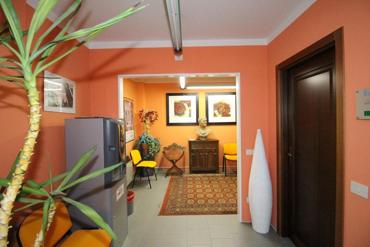 Ufficio / Studio in affitto a Sotto il Monte Giovanni XXIII, 9999 locali, prezzo € 700   CambioCasa.it