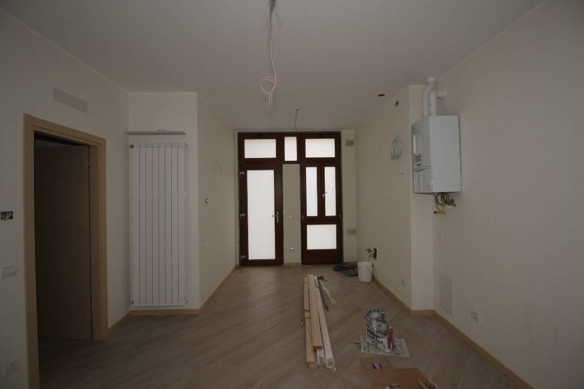 Appartamento in affitto a Brembate di Sopra, 2 locali, prezzo € 400 | CambioCasa.it