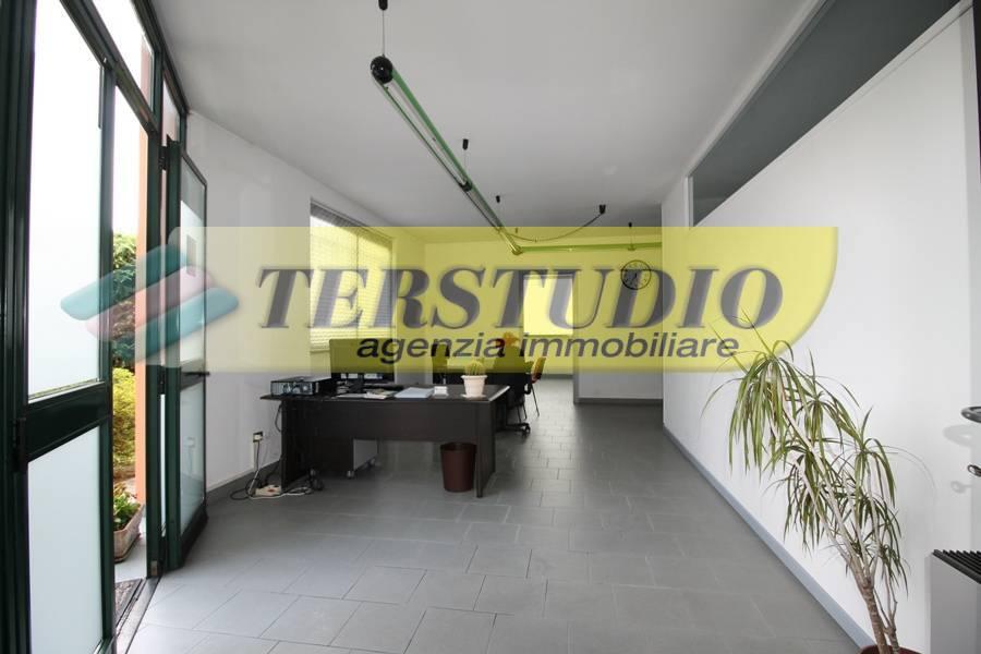 Ufficio / Studio in affitto a Sotto il Monte Giovanni XXIII, 9999 locali, prezzo € 450   CambioCasa.it