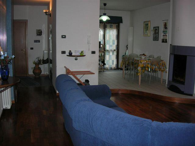 Villa Bifamiliare in Vendita a Montegiorgio