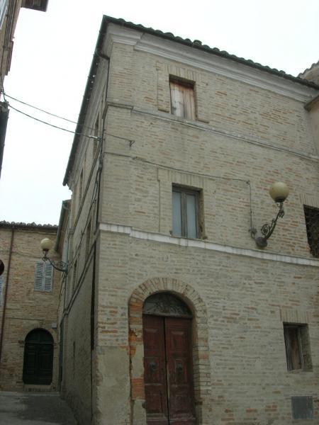 Soluzione Indipendente in vendita a Monteleone di Fermo, 3 locali, prezzo € 40.000   Cambio Casa.it