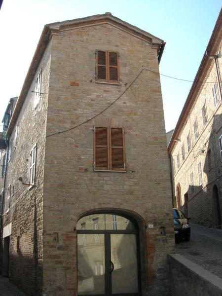 Soluzione Indipendente in vendita a Penna San Giovanni, 6 locali, prezzo € 115.000 | Cambio Casa.it