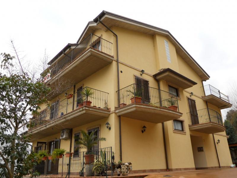Appartamento in vendita a Monte San Pietrangeli, 4 locali, Trattative riservate | CambioCasa.it