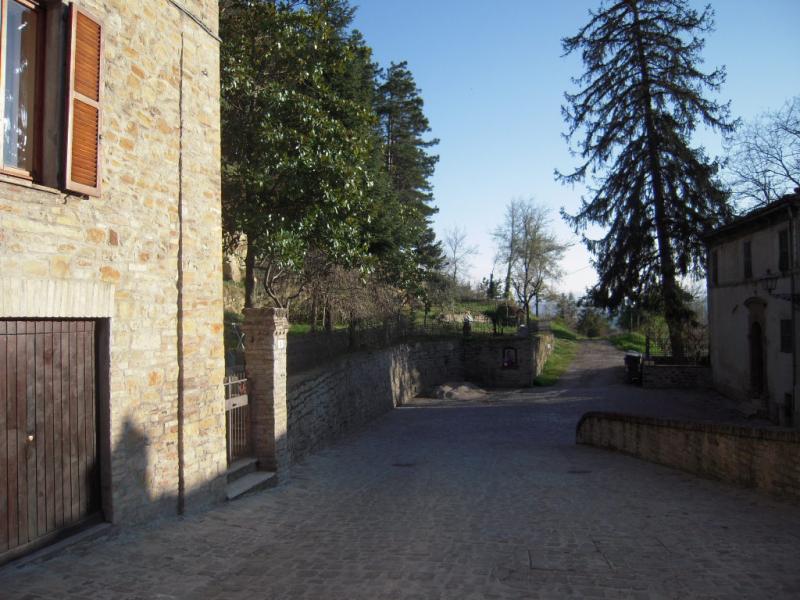 Appartamento in vendita a Santa Vittoria in Matenano, 5 locali, prezzo € 85.000 | Cambio Casa.it