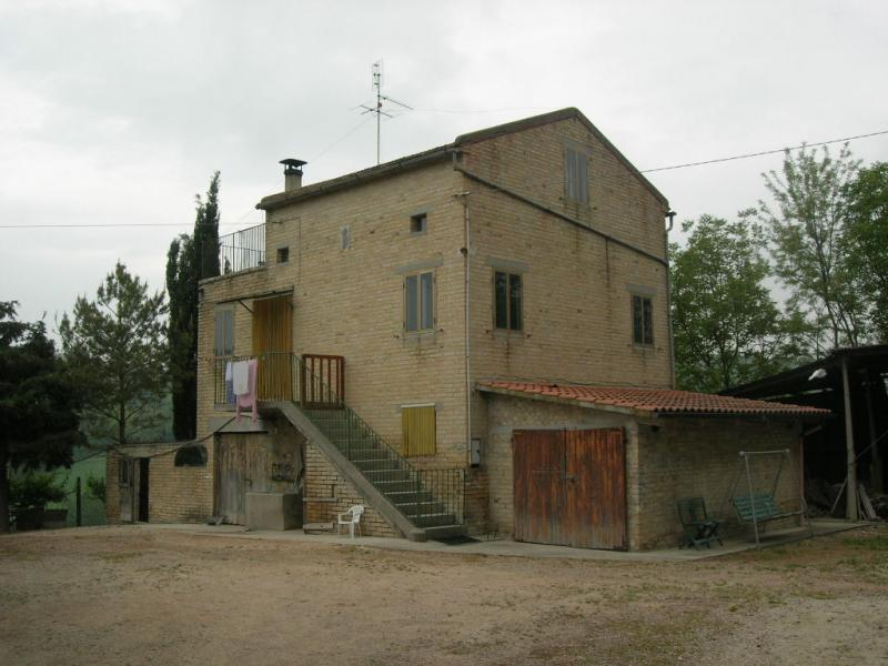 Soluzione Indipendente in vendita a Monte San Pietrangeli, 10 locali, Trattative riservate | CambioCasa.it