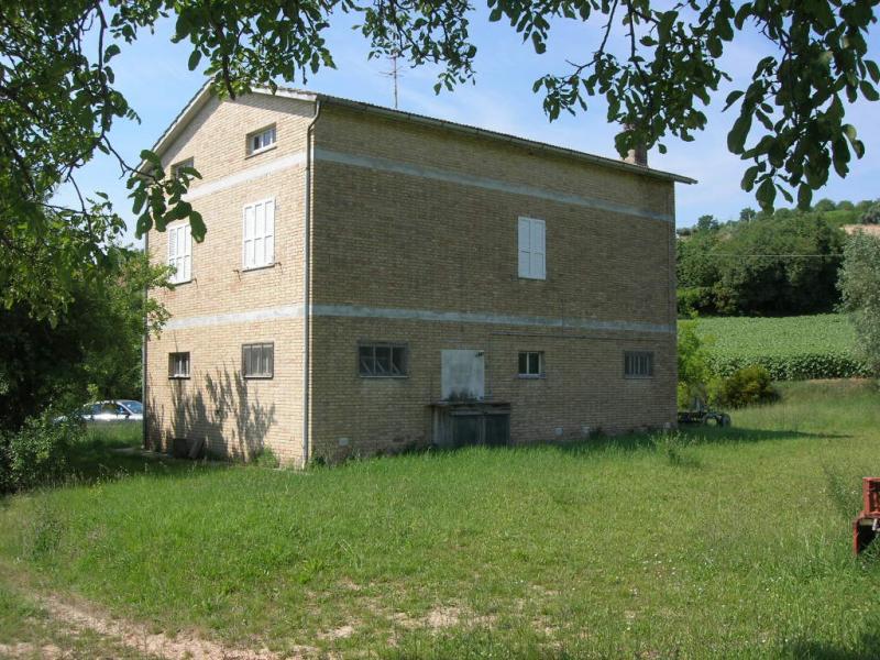 Soluzione Indipendente in vendita a Montegiorgio, 1 locali, prezzo € 296.000   Cambio Casa.it