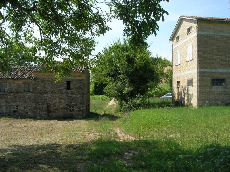 Attività / Licenza in vendita a Montegiorgio, 1 locali, prezzo € 296.000 | Cambio Casa.it