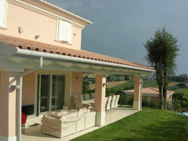 Soluzione Indipendente in vendita a Civitanova Marche, 6 locali, Trattative riservate | Cambio Casa.it