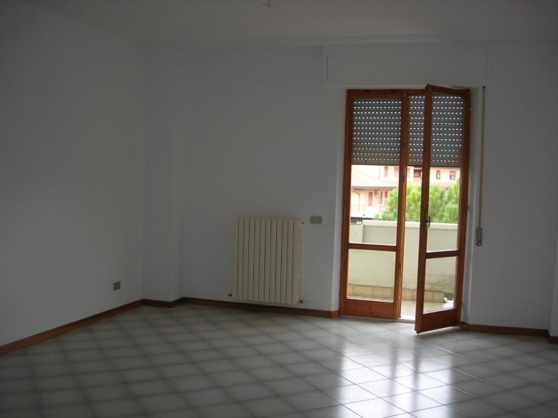 Appartamento in affitto a Grottazzolina, 7 locali, prezzo € 470 | Cambio Casa.it