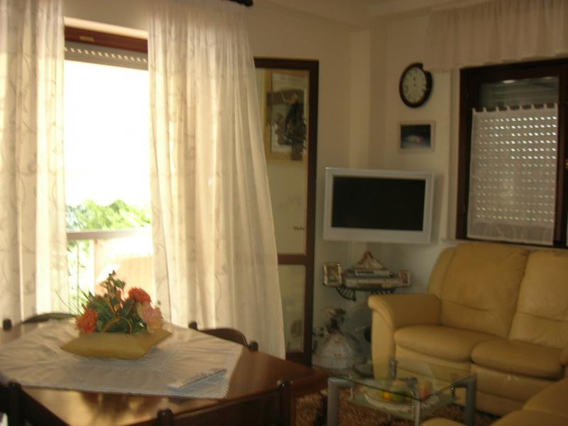 Appartamento in vendita a Falerone, 4 locali, prezzo € 125.000   Cambio Casa.it