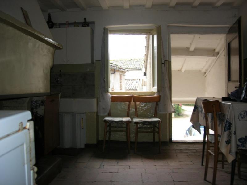 Appartamento in vendita a Amandola, 6 locali, prezzo € 35.000 | Cambio Casa.it