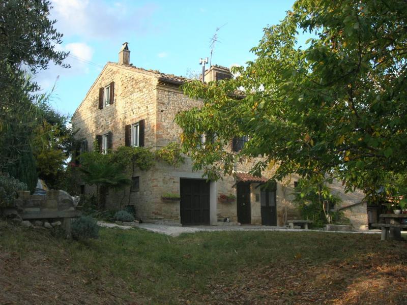 Attività / Licenza in vendita a Santa Vittoria in Matenano, 10 locali, prezzo € 330.000 | Cambio Casa.it