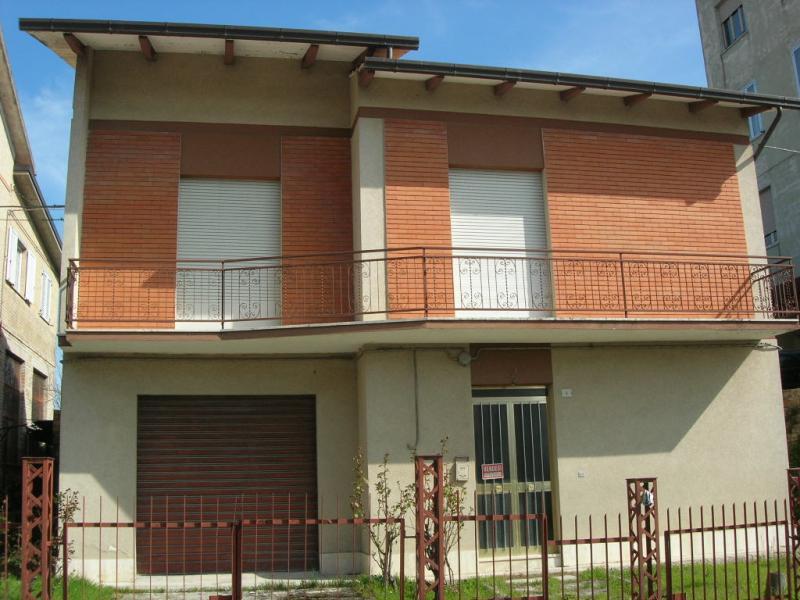Soluzione Indipendente in vendita a Francavilla d'Ete, 5 locali, prezzo € 170.000 | Cambio Casa.it