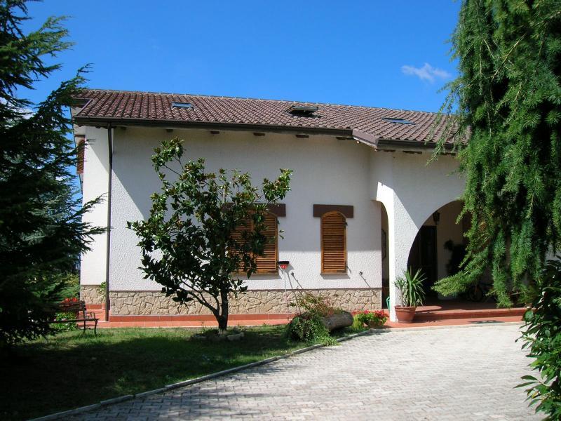 Soluzione Indipendente in vendita a Penna San Giovanni, 12 locali, Trattative riservate | Cambio Casa.it