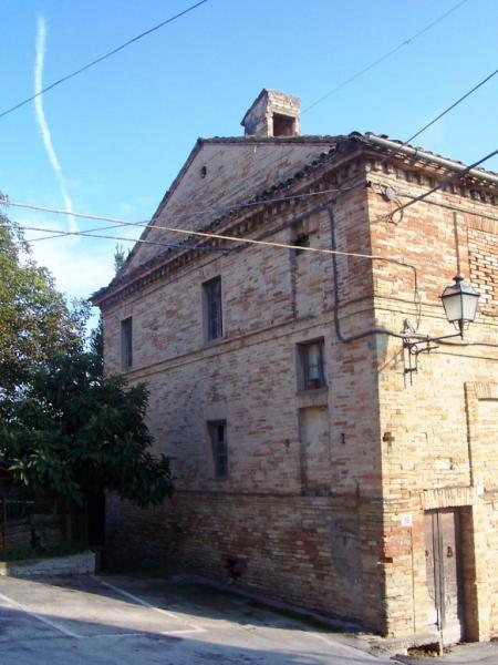 Soluzione Indipendente in vendita a Ponzano di Fermo, 12 locali, prezzo € 180.000   Cambio Casa.it