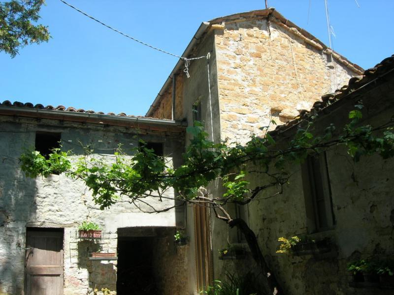 Soluzione Indipendente in vendita a Penna San Giovanni, 10 locali, prezzo € 195.000 | Cambio Casa.it