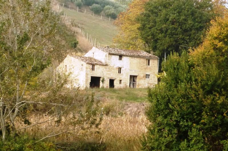 Soluzione Indipendente in vendita a Montelparo, 5 locali, prezzo € 250.000 | Cambio Casa.it