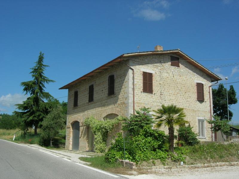 Soluzione Indipendente in vendita a Penna San Giovanni, 6 locali, prezzo € 198.000 | Cambio Casa.it